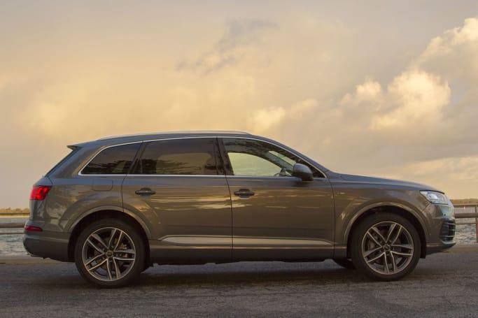 Audi Q Review CarsGuide - 2018 audi suv