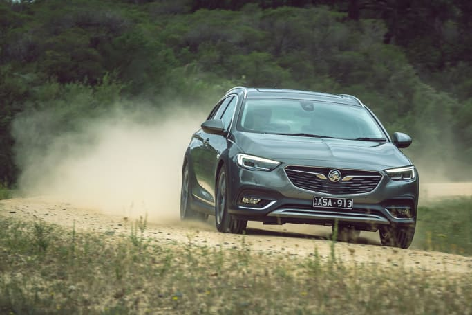 Holden Commodore 2018 review | CarsGuide