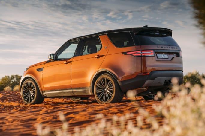 מדהים Land Rover Discovery 2017 review   CarsGuide PB-89