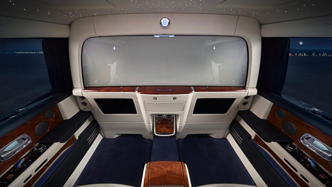 Rolls Royce Phantom 2019 Introduces Ridiculously Opulent