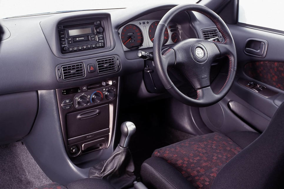 2000 Toyota Corolla Ve Interior Images Galleries With A Bite