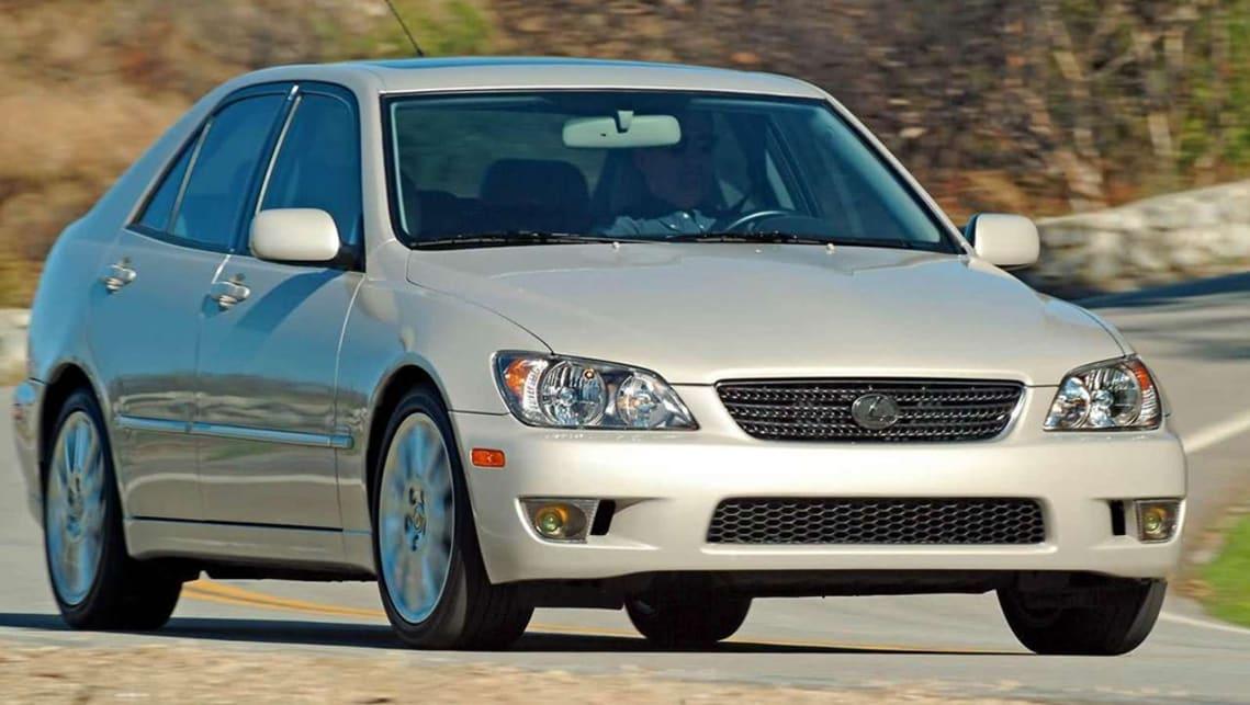 Elegant Lexus IS300 2003 Review