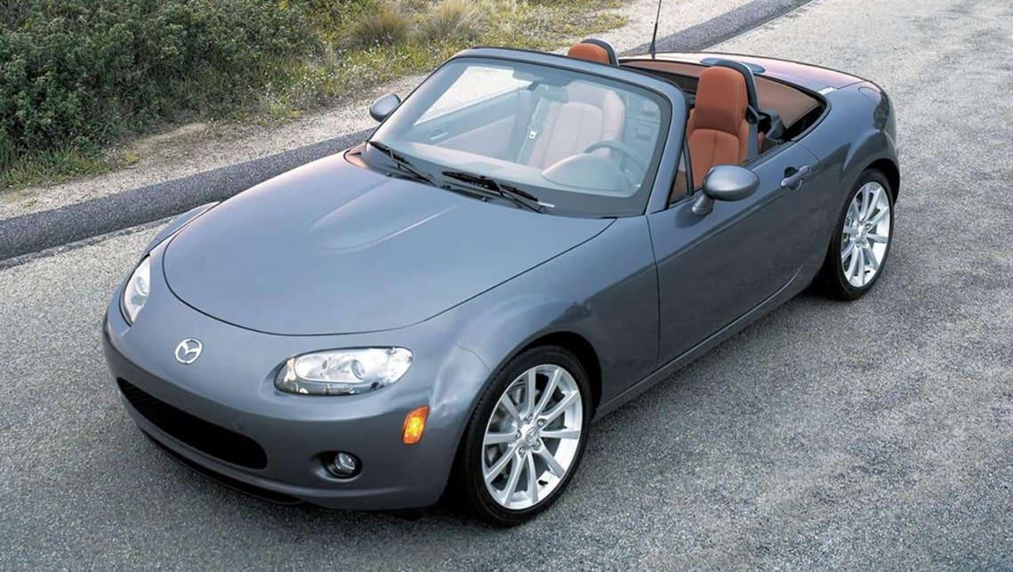 https://res.cloudinary.com/carsguide/image/upload/f_auto,fl_lossy,q_auto,t_cg_hero_large/v1/editorial/2006-Mazda-MX5-Convertible-Grey-Press-Image-1001x565p.jpg