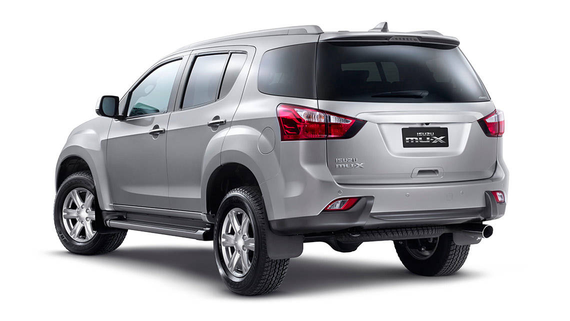 Isuzu MUX 2015 review  CarsGuide