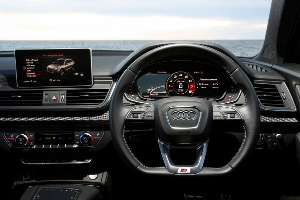 The centre console is redesigned around a new shifter and touch-pad for the media system, steering wheel and instrument cluster.