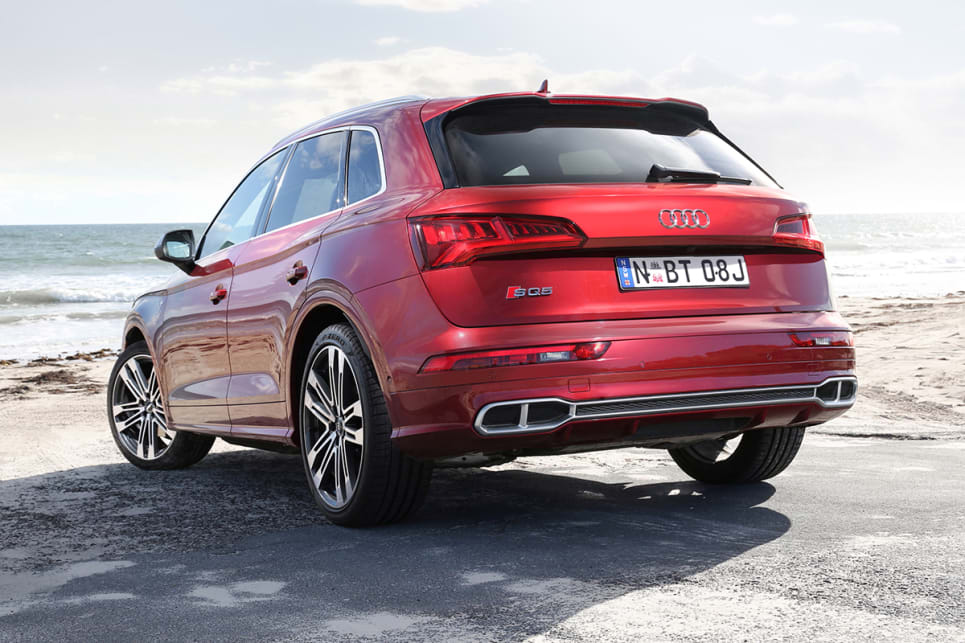 The SQ5 grade adds 21-inch alloy wheels, adaptive dampers, and tinted rear glass.