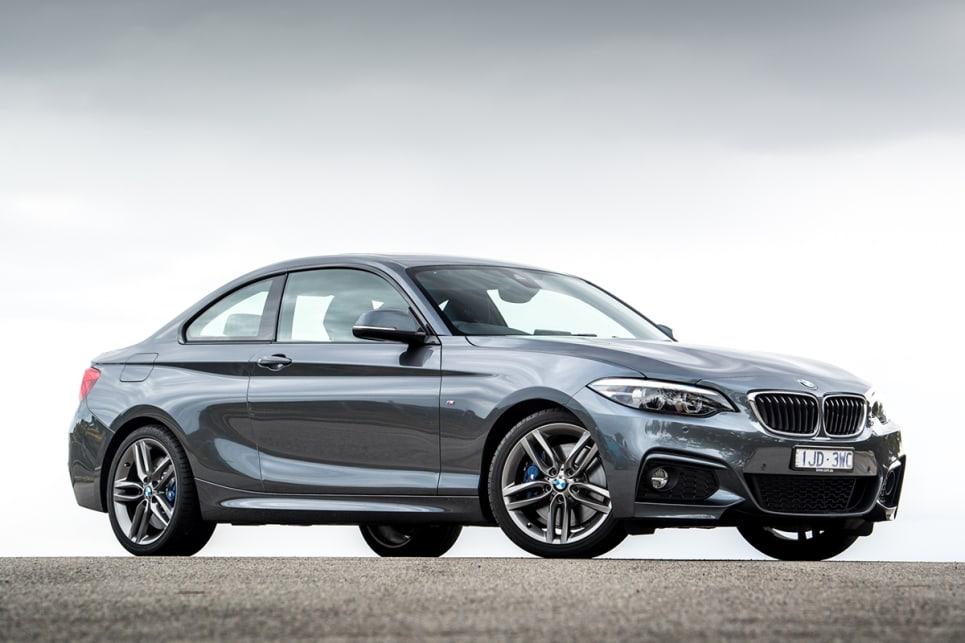 BMW 230i 2017 review snapshot