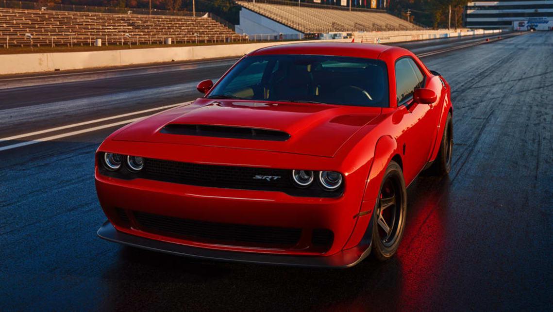 2017-Dodge-Challenger-SRT-coupe-demon-re