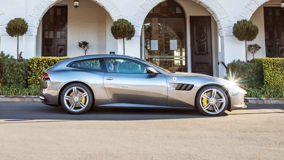 Ferrari lusso 2017