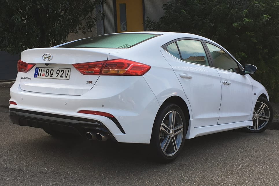 Red 2017 Hyundai Elantra >> Hyundai Elantra SR Turbo manual 2017 review | CarsGuide