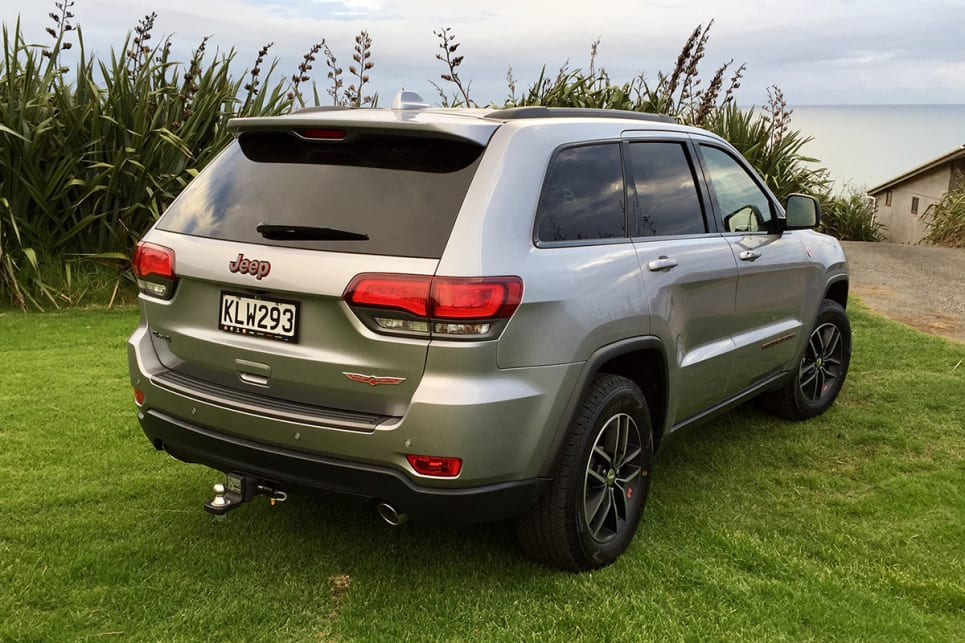 jeep grand cherokee 2017 review carsguide. Black Bedroom Furniture Sets. Home Design Ideas