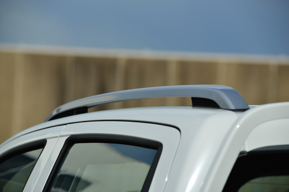 All T60 models have roof rails as standard.