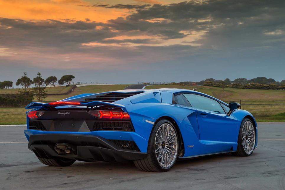 Lamborghini aventador s 2017 review carsguide - Lamborghini aventador coupe price ...