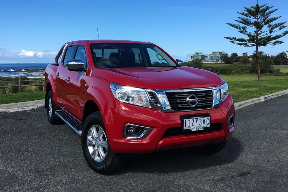 nissan navara st dual cab 2017 review carsguide. Black Bedroom Furniture Sets. Home Design Ideas