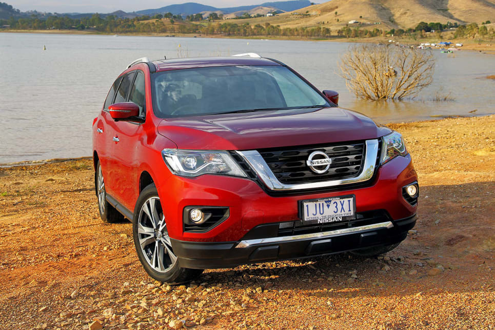 nissan pathfinder 2017 review carsguide. Black Bedroom Furniture Sets. Home Design Ideas
