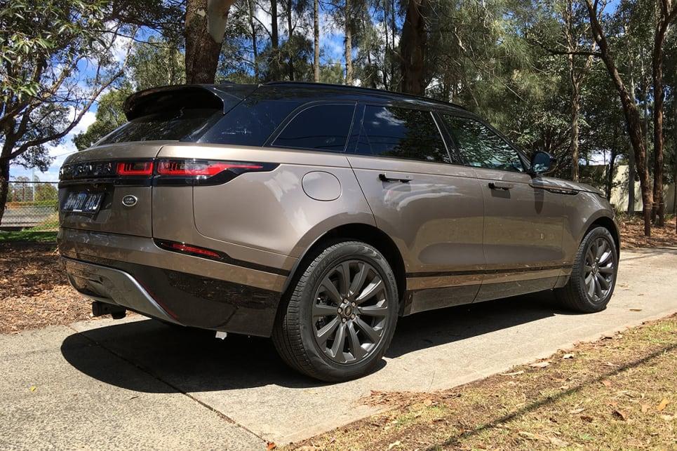 range rover velar 2018 review se r dynamic d240 carsguide. Black Bedroom Furniture Sets. Home Design Ideas
