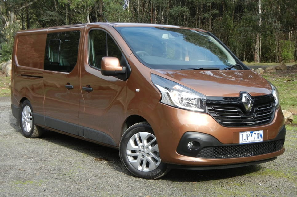 renault trafic crew 2017 review carsguide. Black Bedroom Furniture Sets. Home Design Ideas