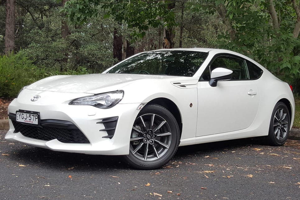 toyota 86 gt manual 2017 review carsguide. Black Bedroom Furniture Sets. Home Design Ideas