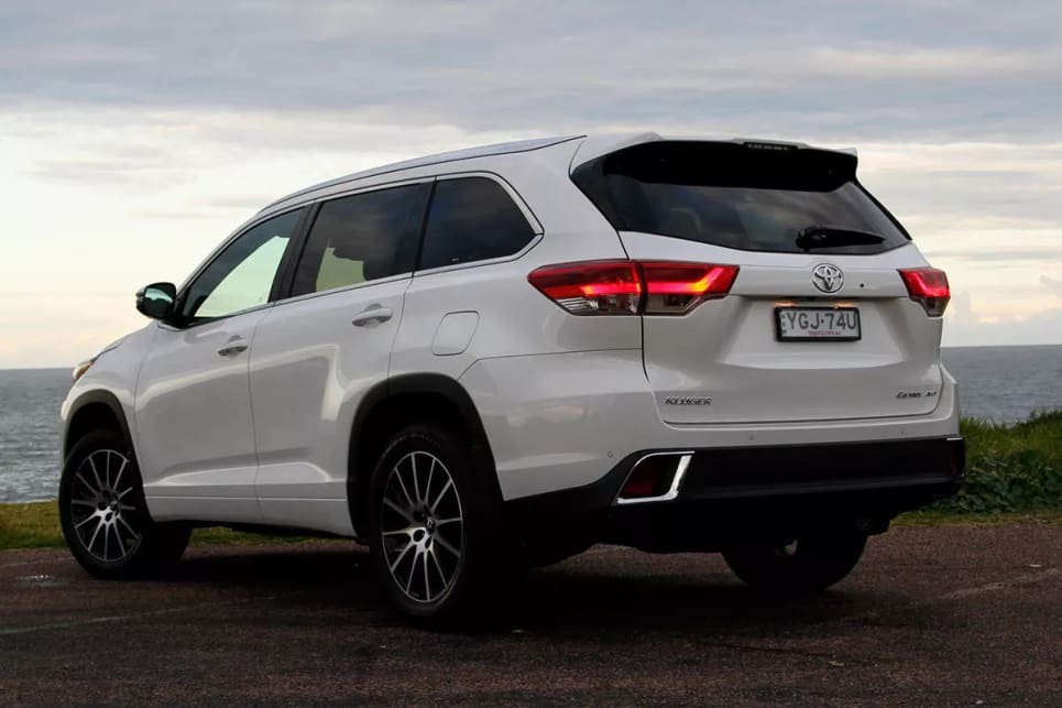 How Much Does A Transmission Cost >> Toyota Kluger Grande AWD 2017 review: family test | CarsGuide