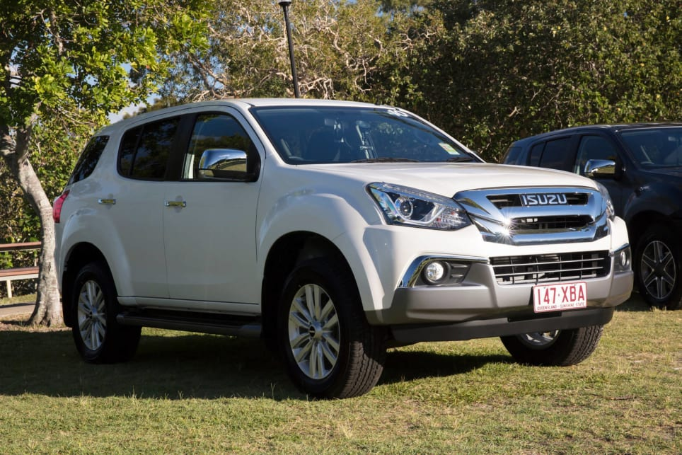 Isuzu MUX 2017 review  CarsGuide