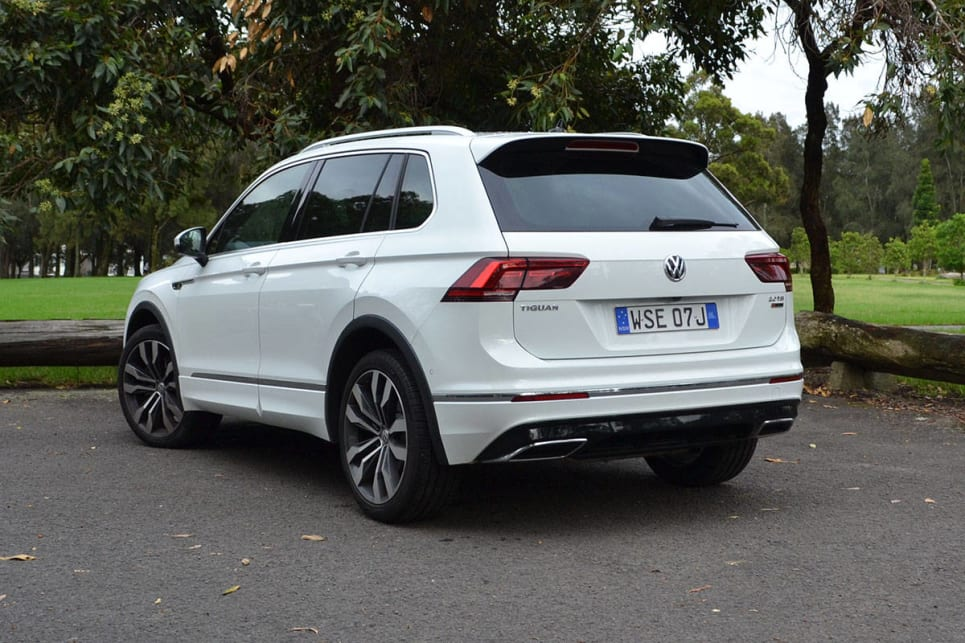 volkswagen tiguan 162tsi r line 2017 review road test video carsguide. Black Bedroom Furniture Sets. Home Design Ideas