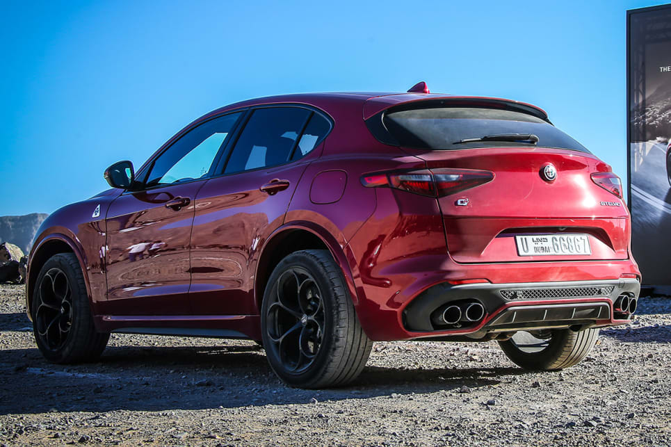 alfa romeo stelvio quadrifoglio 2018 review carsguide. Black Bedroom Furniture Sets. Home Design Ideas