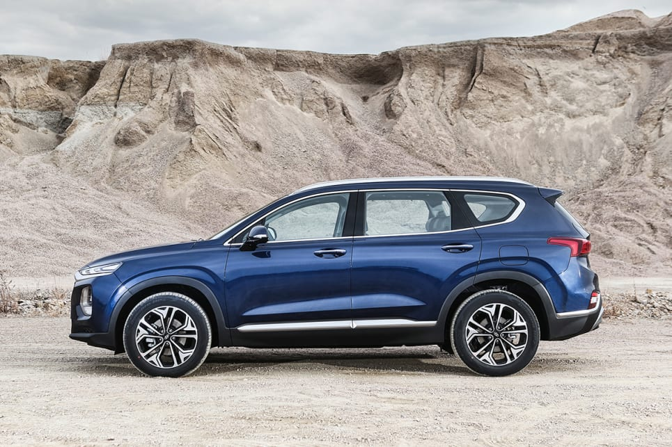 hyundai santa fe 2018 unveiled: full details of new seven-seat suv