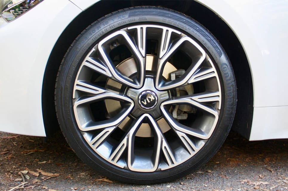 The GT-Line gets larger 19-inch alloy wheels. (2018 GT-Line model shown)