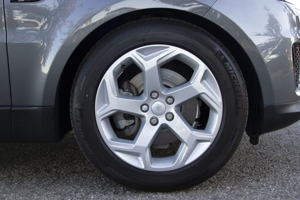 The SE SD4 comes complete with 19-inch alloys - our car was optioned with 20-inch.