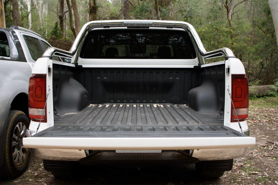 The Amarok has a huge tub: 1555mm long, 1620mm wide (and 1222mm between the arches, making it broad enough to fit a pallet).