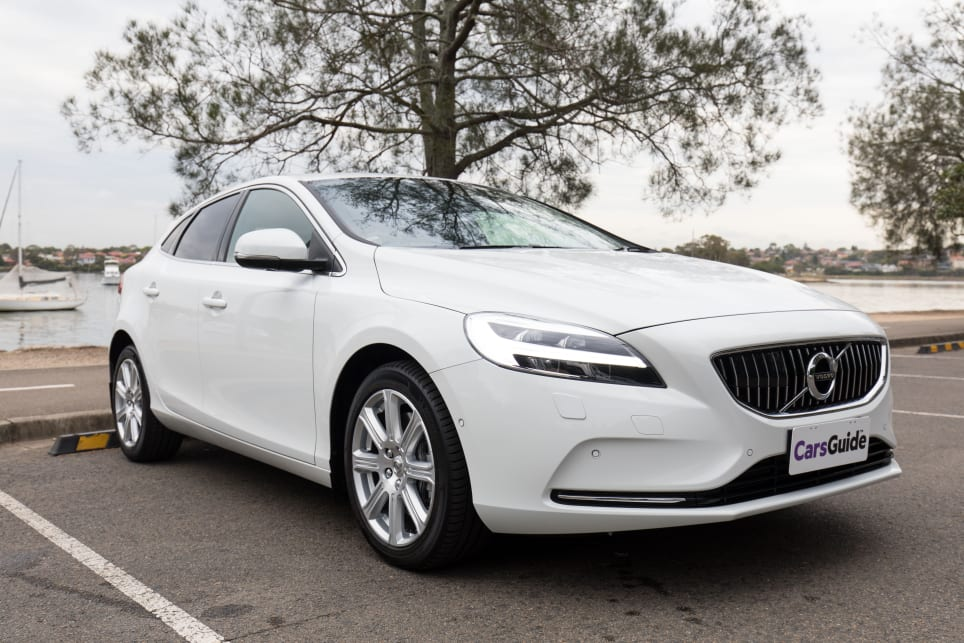Volvo V40 2018 review | CarsGuide