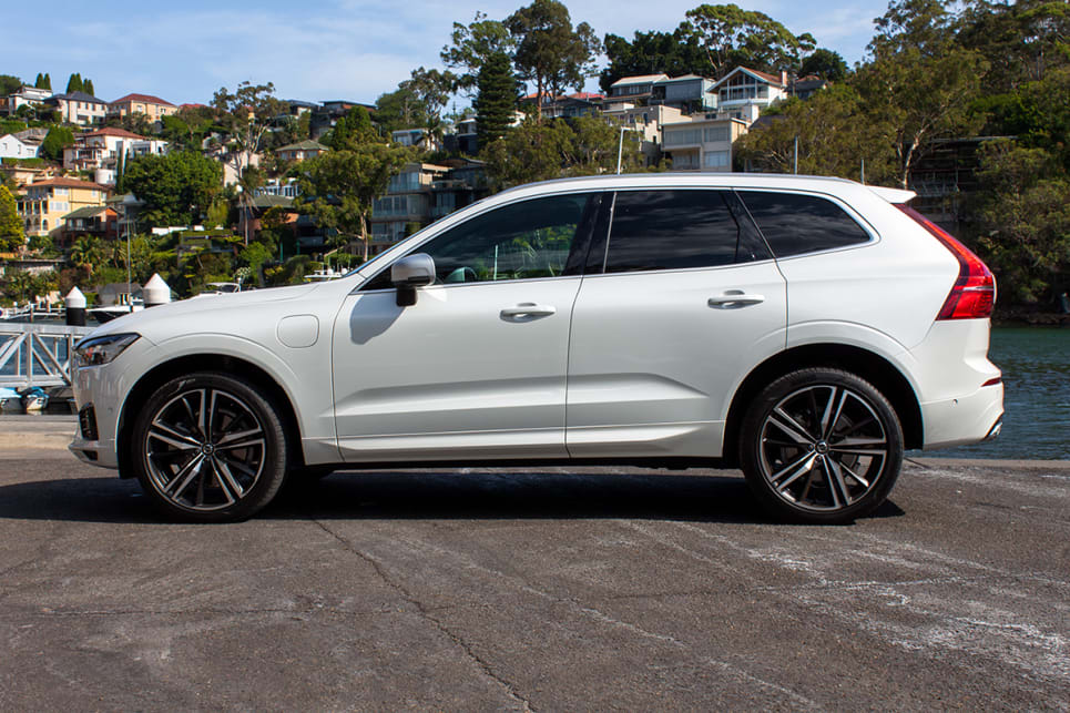 volvo xc60 inscription 2018 review snapshot carsguide. Black Bedroom Furniture Sets. Home Design Ideas