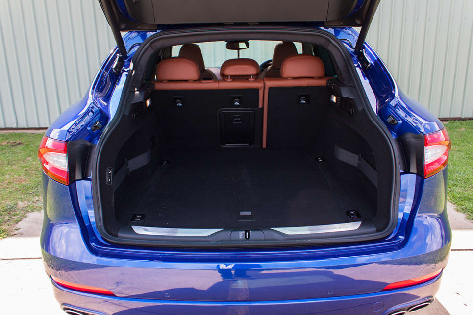 The boot has a cargo capacity of 580 litres.
