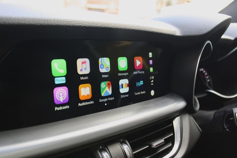 The application of Apple CarPlay / Android Auto is geared towards voice control, but a touchscreen would be useful.