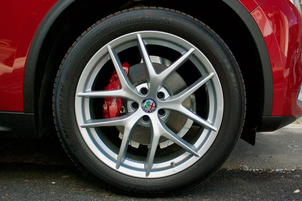 Under the rounded wheel-arches are 20-inch rims with Michelin Latitude Sport 3 tyres.