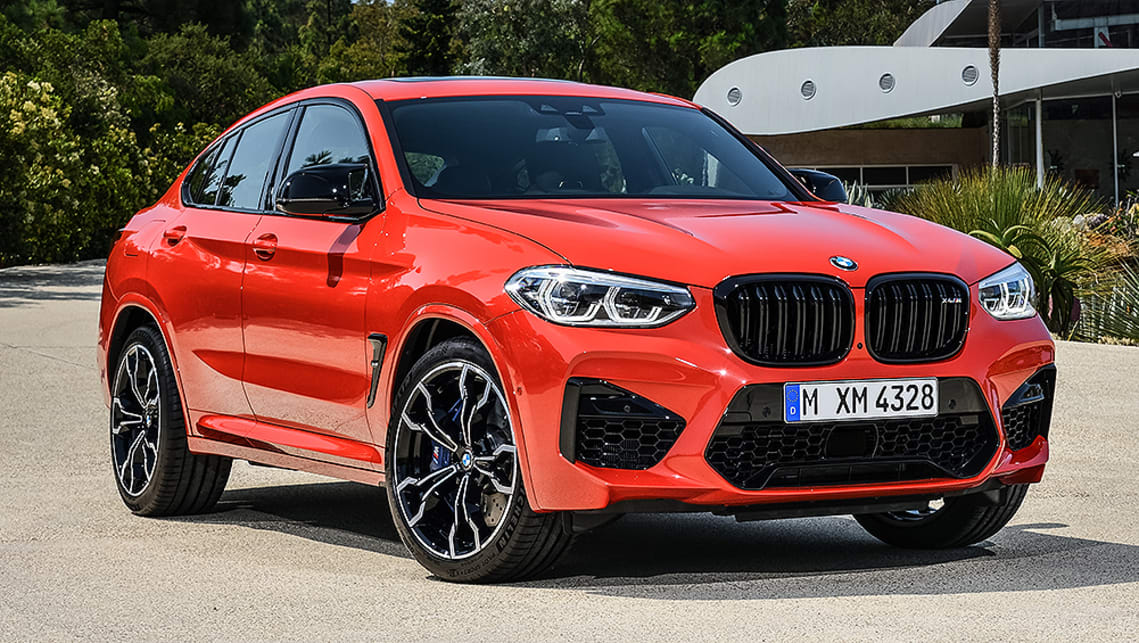 The X4 M Competition scores unique mirrors for reduced drag, and Jet Black 21-inch light alloy wheels.