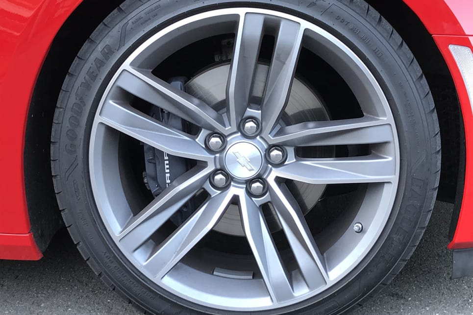 The 2019 Chevrolet Camaro SS has big 20-inch 'split-spoke' alloy rims.