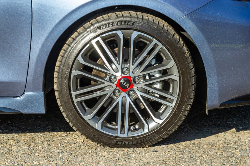 Fitted to the Cerato GT are 18-inch alloy wheels.