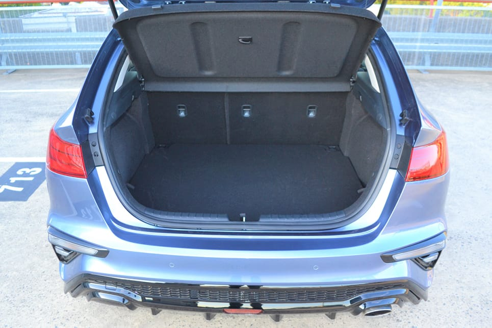 The boot's cargo capacity is 428 litres.