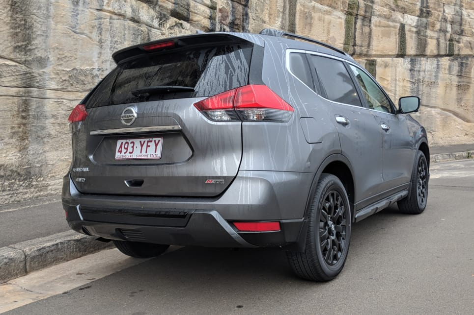 Honestly, it looks like an X-Trail ST-L with black wheels.