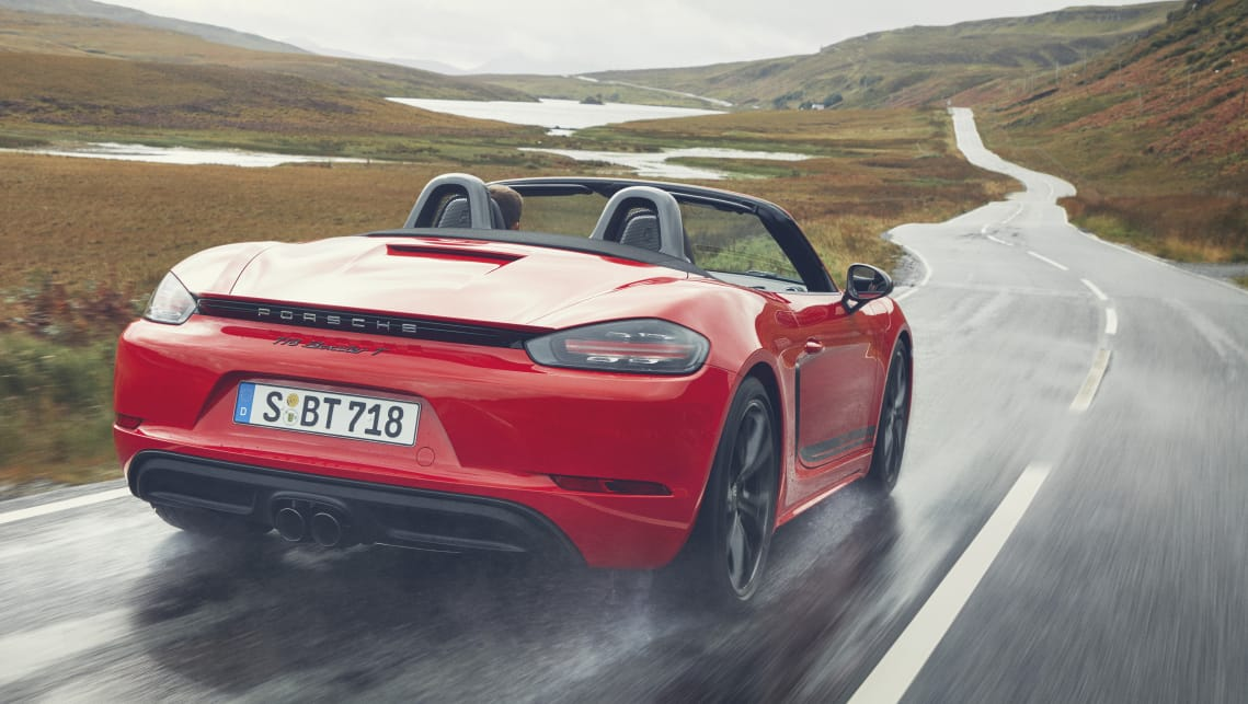 The 718 T adds some equipment from the S, but it retains the base variant's 220kW/380Nm engine.