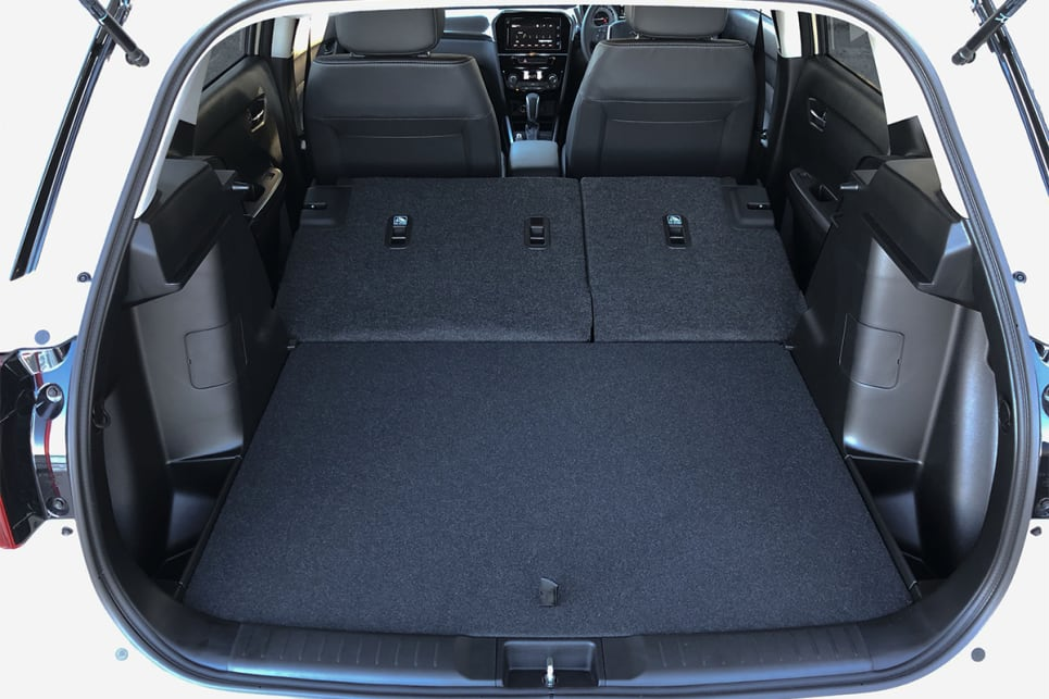 Following the rear seats down results in cargo space growing to 1120 litres.