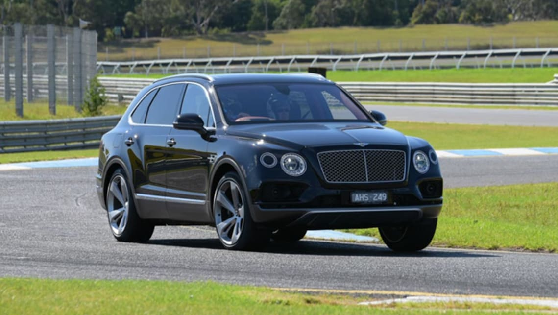 Bentley Bentayga 2016 review | CarsGuide