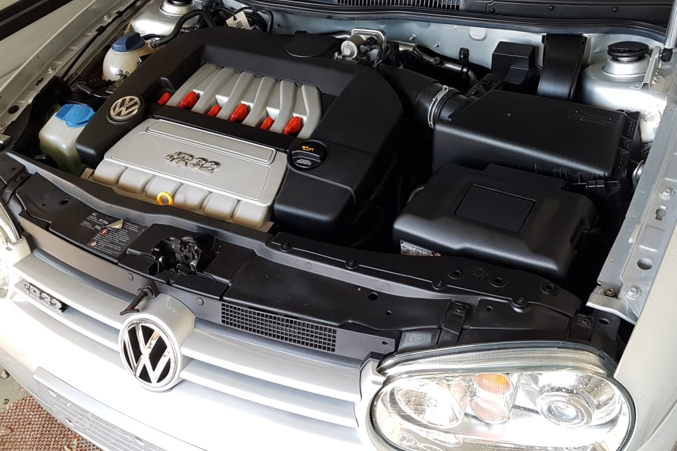 How Long Does A Car Battery Last >> Car Battery Faqs Everything You Need To Know Car Advice Carsguide