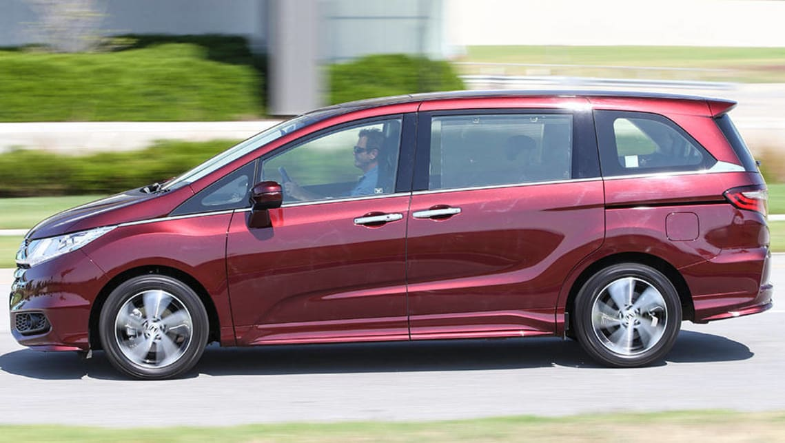 honda odyssey hyundai imax and kia carnival 2016 review carsguide. Black Bedroom Furniture Sets. Home Design Ideas