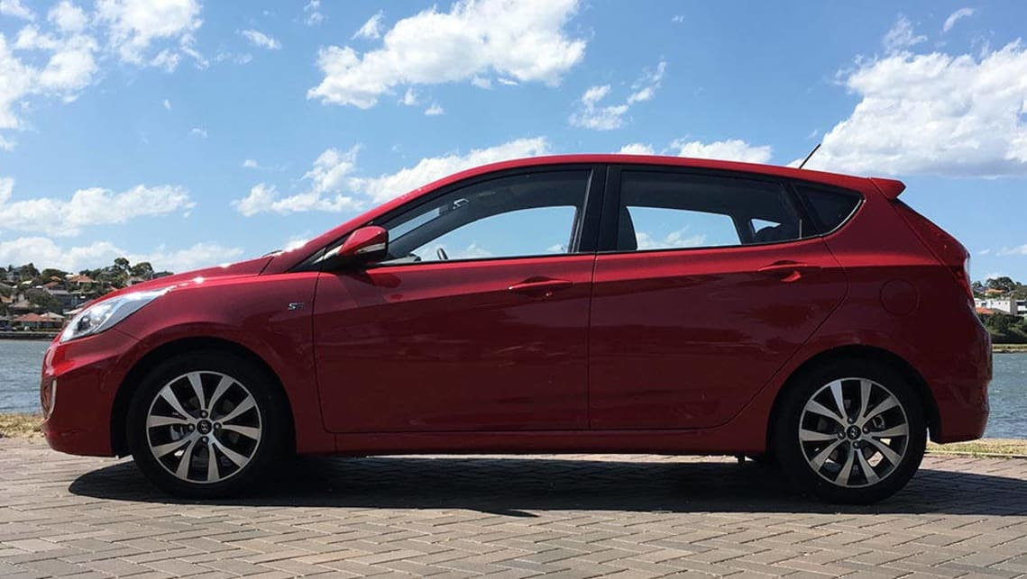 hyundai accent sr 2017 review road test carsguide. Black Bedroom Furniture Sets. Home Design Ideas
