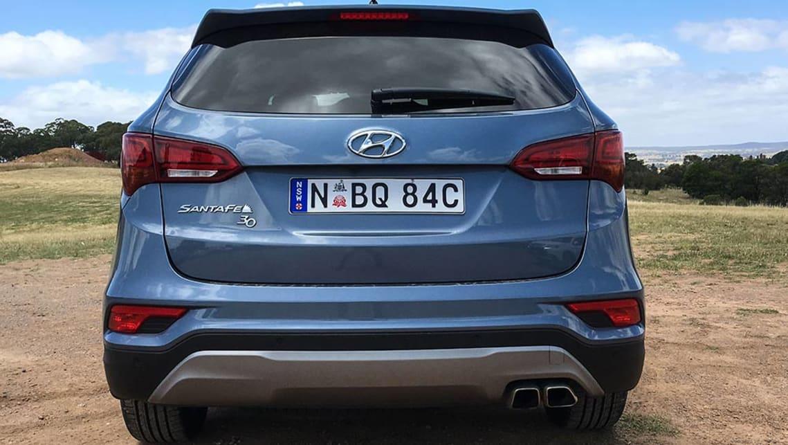 Suv With Third Row >> Hyundai Santa Fe 30 Special Edition V6 2017 review | CarsGuide