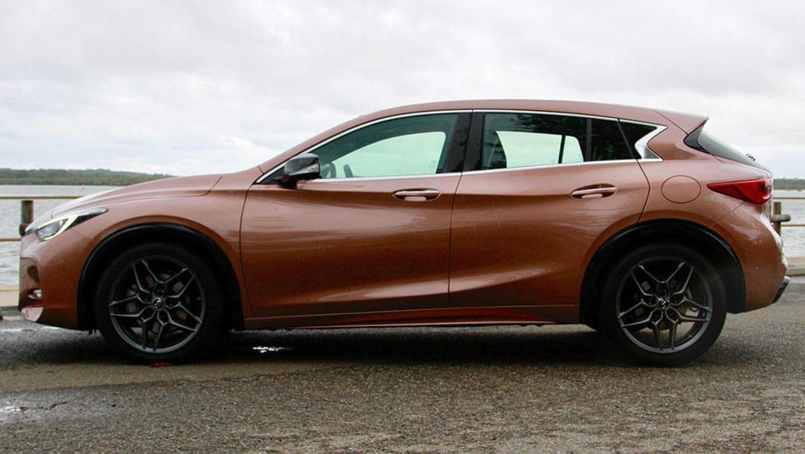 Infiniti Q30 Sport Premium Diesel 2017 Review Road Test
