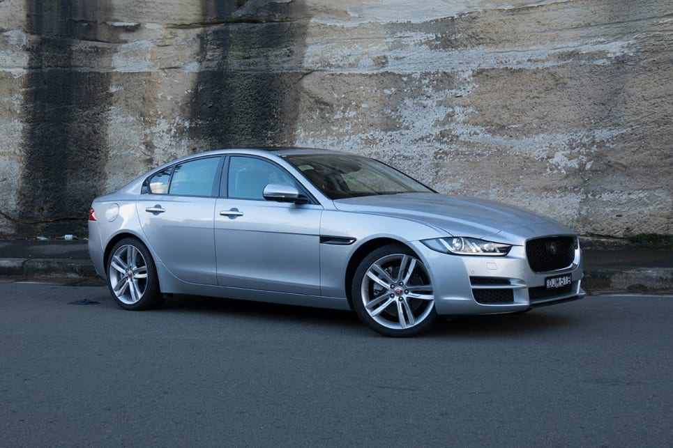 jaguar xe prestige 20t 2017 review carsguide. Black Bedroom Furniture Sets. Home Design Ideas