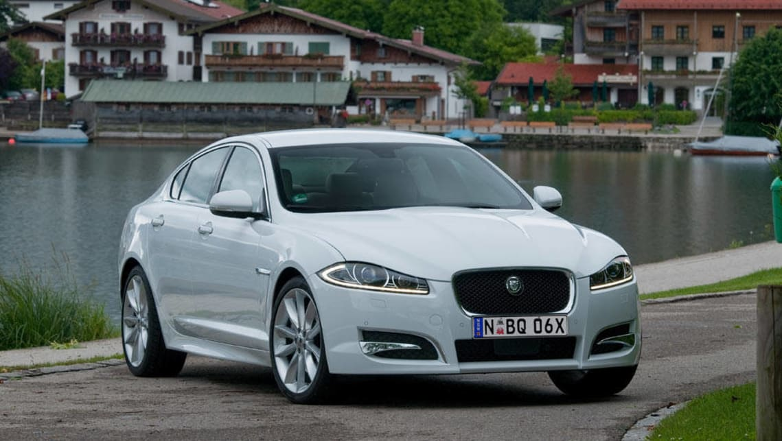 Jaguar's XF has been recalled for a fuel piping issue, while Renault's Trafic has been brought in to fix a possibly loose bolt.